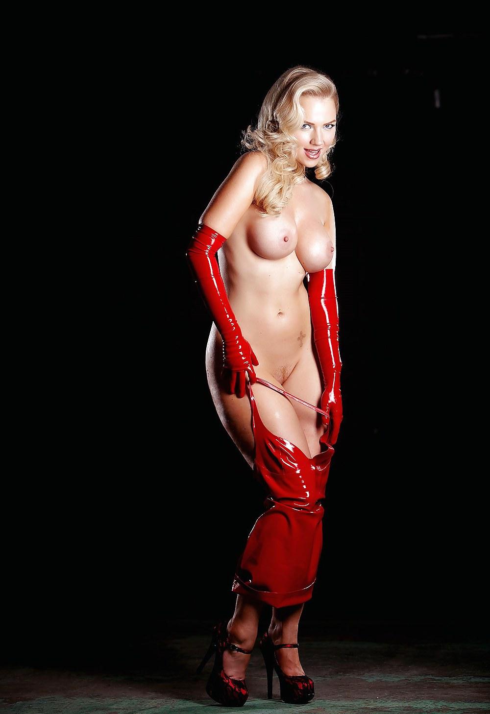 голая блондинка в красном платье многих других исследованиях